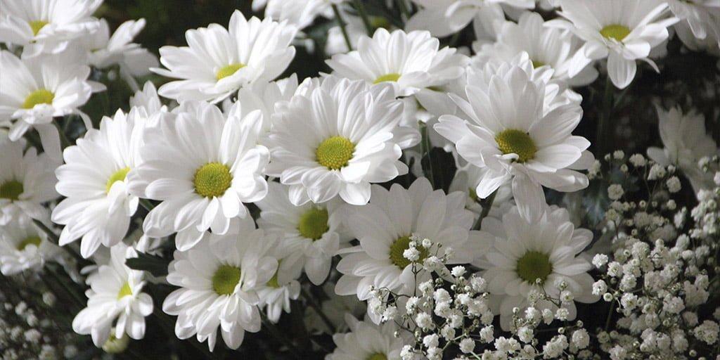 как и где изготавливаются цветы на могилу