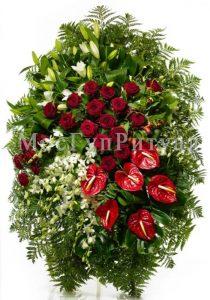 Венок ритуальный на похороны из живых цветов 160 см. №12