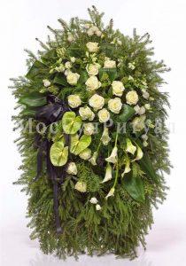 Венок ритуальный на похороны из живых цветов 160 см. №20